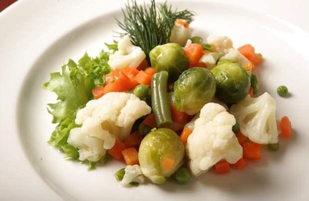 Овощи на пару вкусно получаются в мультиварке. / Фото: syl.ru