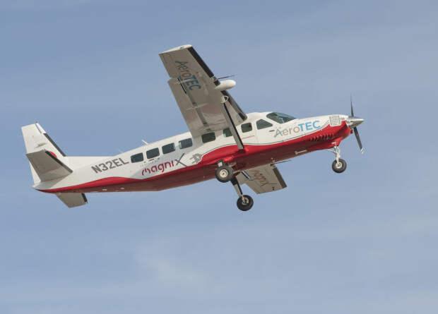 Американцы испытали электрифицированный девятиместный самолет Cessna 208B