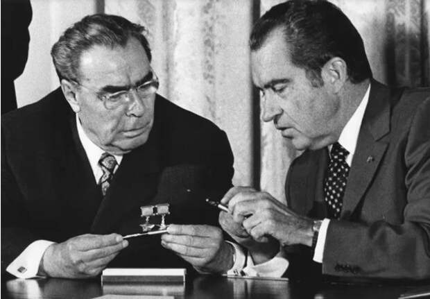 Какие санкции США нанесли СССР самый большой урон