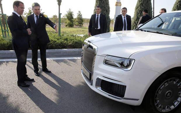 Возьму все! Президент Туркменистана покупает линейку Aurus
