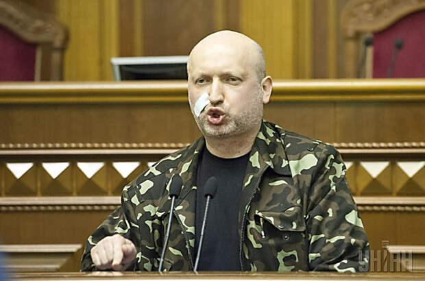 «Я им – чтобы с боем взяли Славянск, а они сдались в плен» – Турчинов вспомнил 2014-й