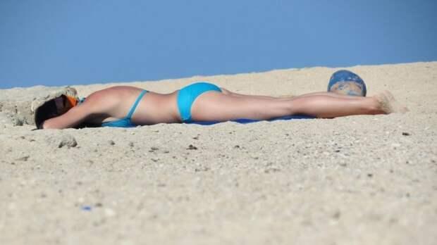 Врач предупредил россиян о риске получить тяжелую болезнь из-за солнца