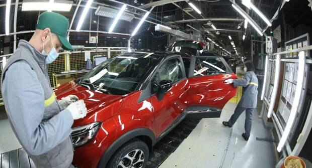 В Москве продажи легковых машин снизились на 15%