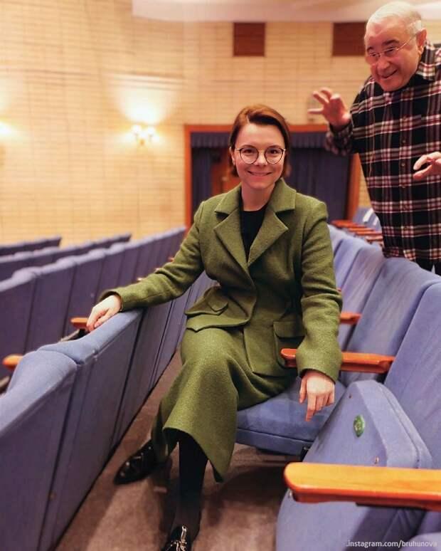 Татьяна Брухунова показала годовалого сына – блондина у пасхального стола