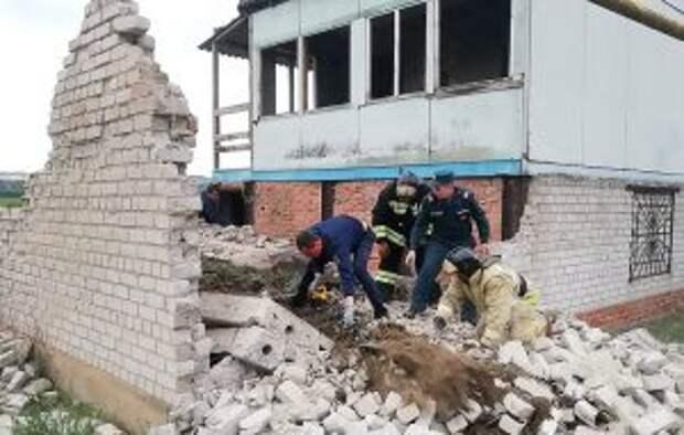 Трое детей погибли при обрушении плиты недостроенного дома в Воронежской области