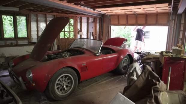 Shelby Cobra – американская классика 60-х. | Фото: popularmechanics.com.