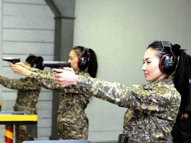 Степные амазонки: Девушки из армии Казахстана