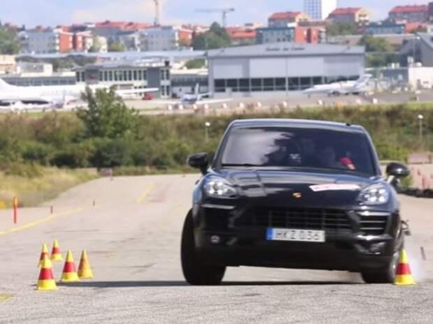 Porsche Macan не справился с «лосиным тестом» (ВИДЕО)