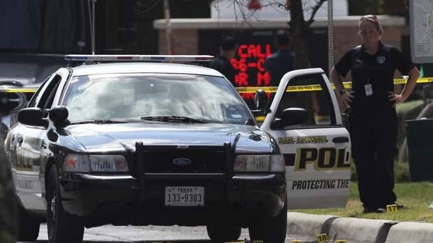 Преступник расстрелял двух помощников шерифа в Техасе