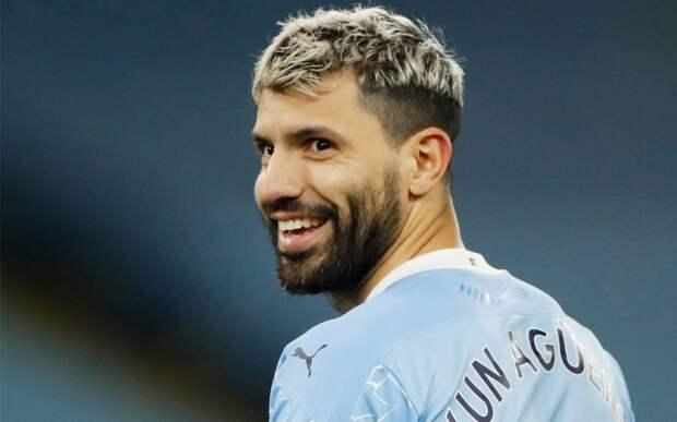 Агуэро подарил каждому сотруднику первой команды «Манчестер Сити» дорогие часы перед уходом в «Барселону»