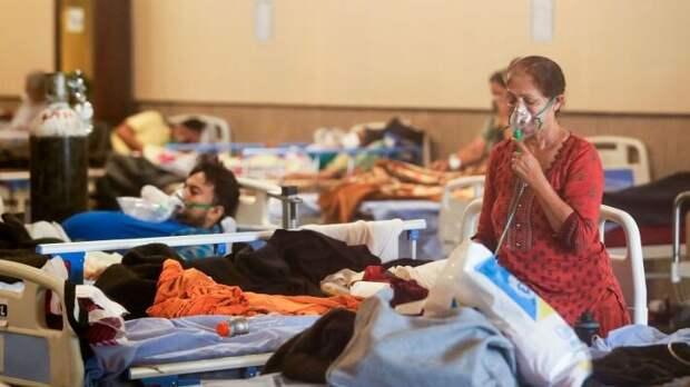 Индия установила два антирекорда по числу заболеваний и смертей от COVID-19
