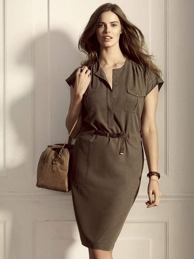 Выбирайте вещи хотя бы с минимальным рукавом — такая одежда не позволит вашим рукам и плечам казаться крупнее
