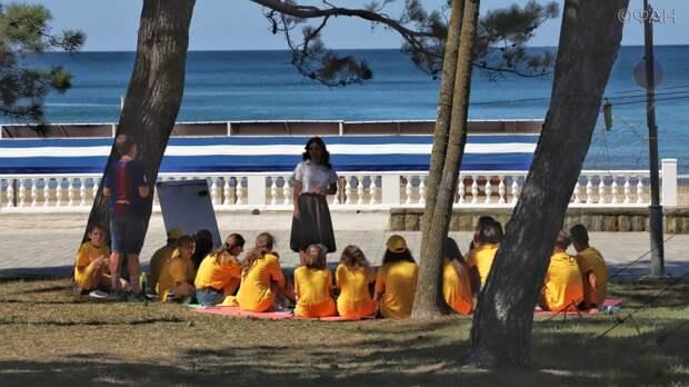 Психолог Наумова назвала оптимальный возраст ребенка для поездки в детский лагерь