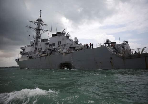 """Издание TNI рассказало о """"проделках"""" американского эсминца """"Джон Маккейн"""""""