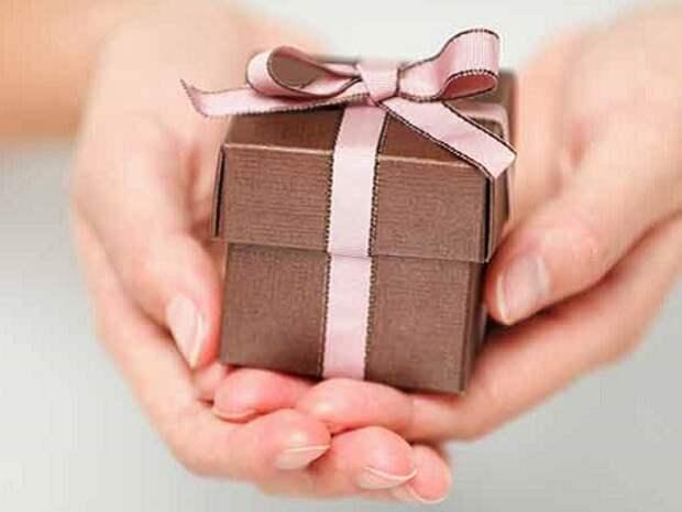 7 самых плохих подарков к свадьбе