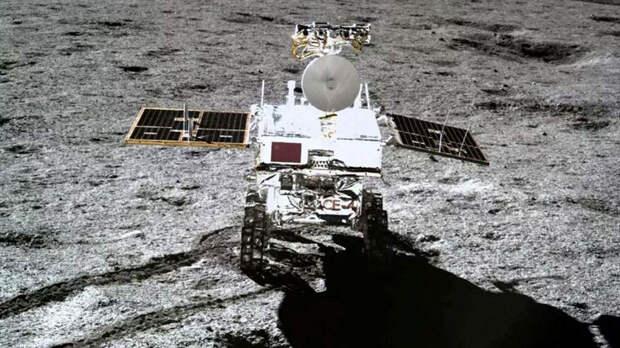 Исследовавший «таинственный гель» на обратной стороне Луны ровер Yutu-2 готовится выйти из спячки