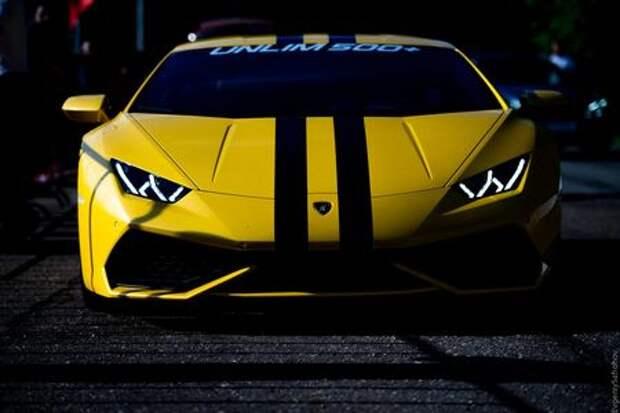 Lamborghini Huracan, BMW M6 и ВАЗ-2102 на фестивале суперкаров