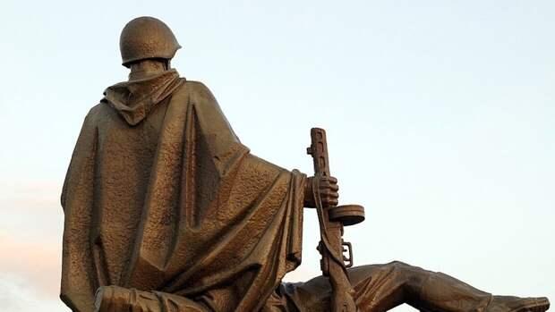 Власти Москвы ознакомили горожан с посвященными Великой Отечественной войне памятниками